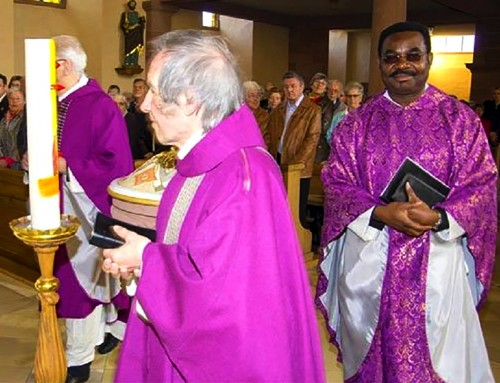 I'm Not Taking Anything from Those Dirty Black Hands – Say Racist Germans Who Reject Sacrament from Nigerian Priest